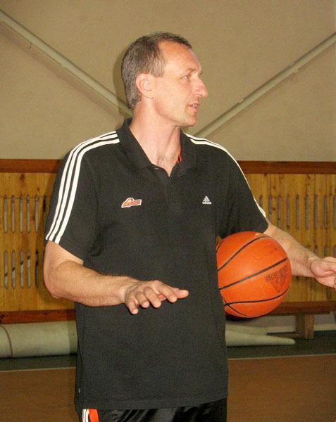 Журналисты и ветераны донецкого баскетбола встретятся под кольцом