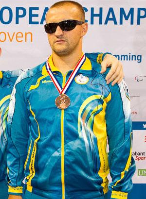 Виктор Смирнов начал выступление на чемпионате Европы в Эйндховене с «бронзы»