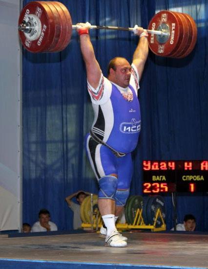 Одна попытка – одна медаль. Артем Удачин завершил чемпионат мира с малой «бронзой»