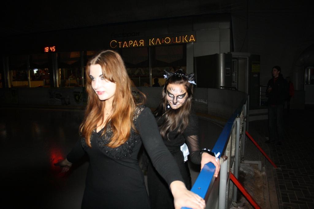 30 октября Каток «Городок» и ресторан «Старая Клюшка» встречали День АВТОМОБИЛИСТА и приближающуюся колдовскую ночь – Halloween!